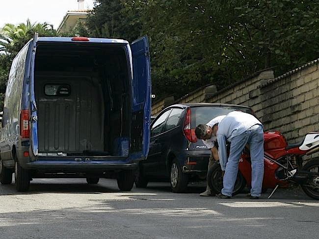 314799_5767_big_Furto con furgone 800x6001
